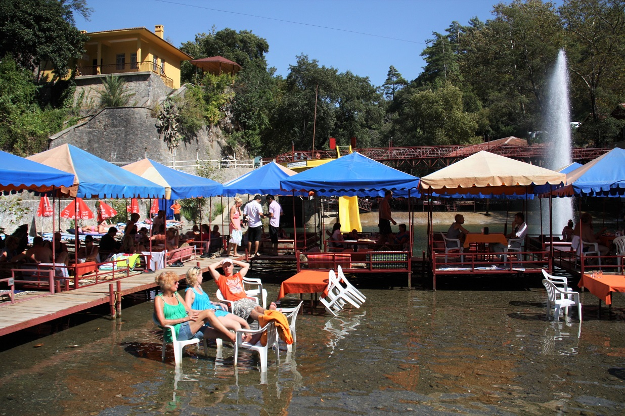What to see in Alanya:Dimcay River Restaurants